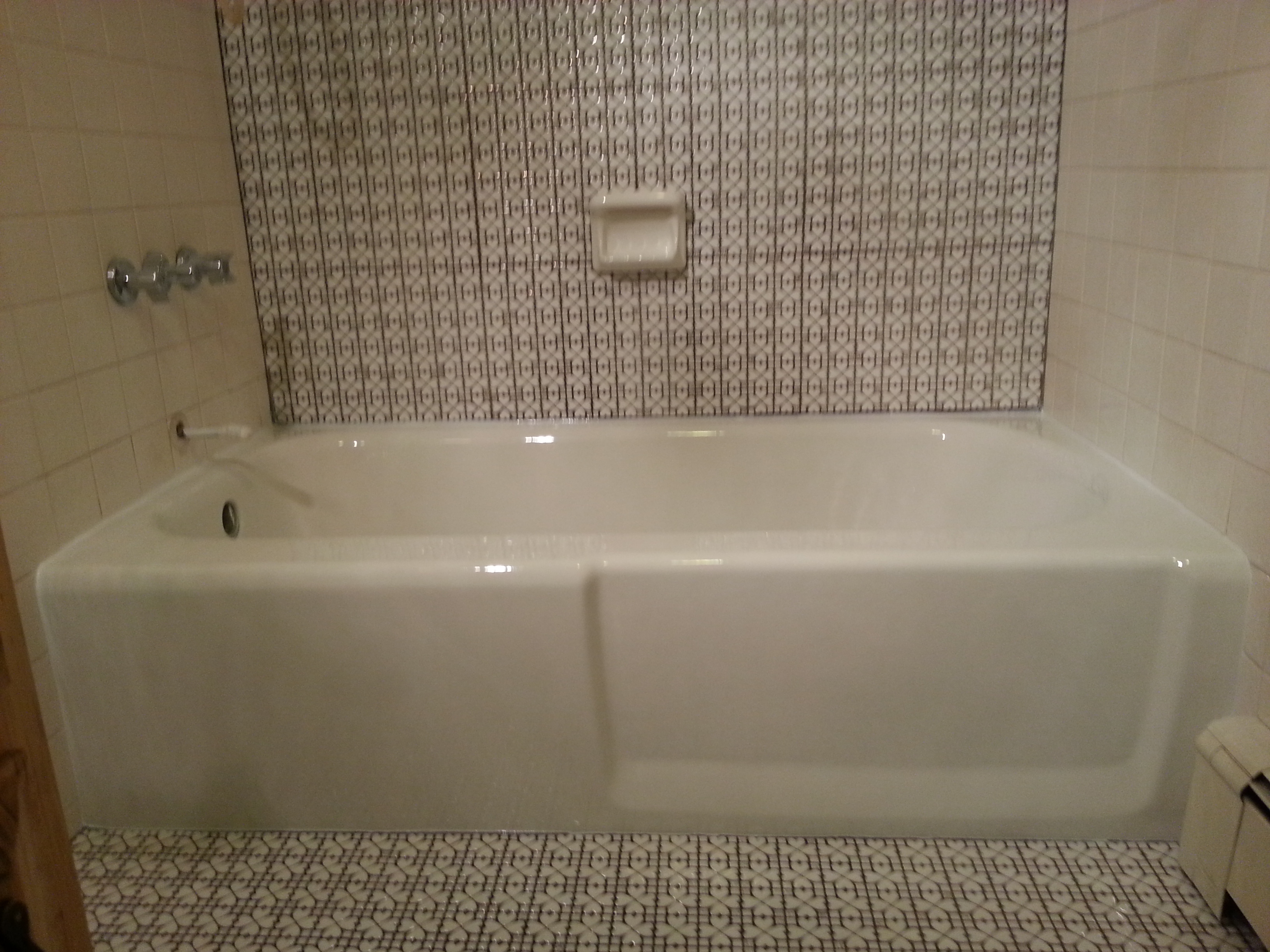 Wareham, MA Tub Surround Reglaze | Touch of Gloss